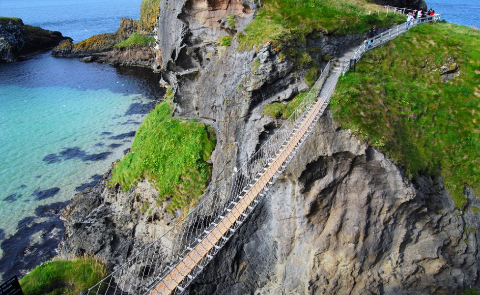 rope-bridge-northern-ireland