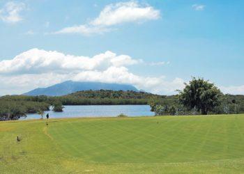 tina-golf-2