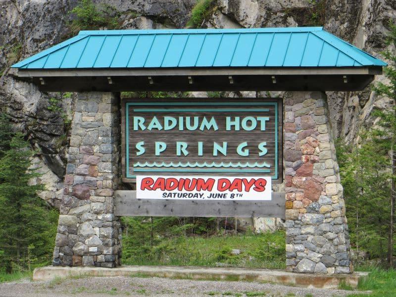radium-hot-springs-1