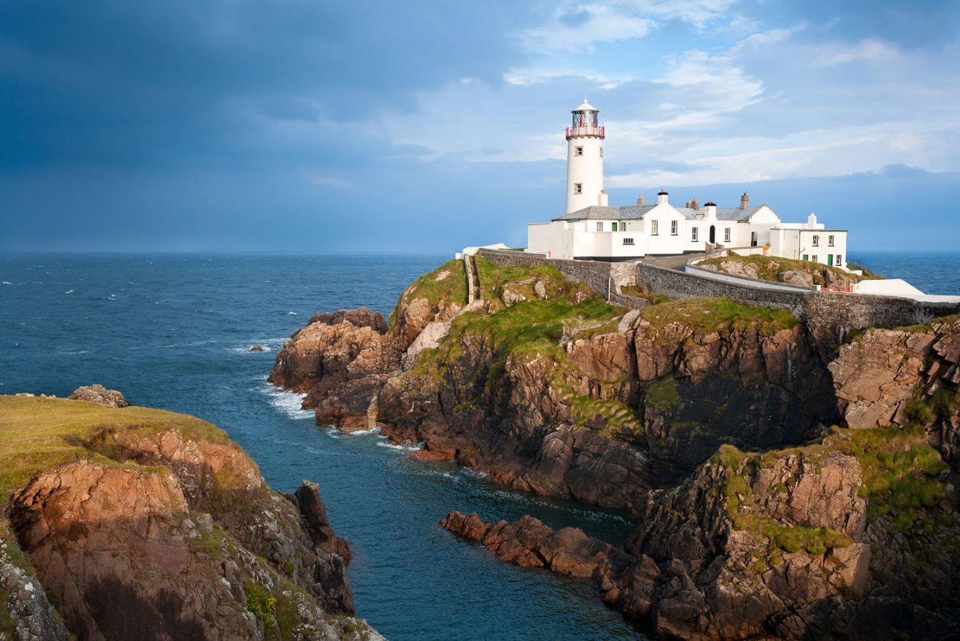 Lighthouse-west-ireland