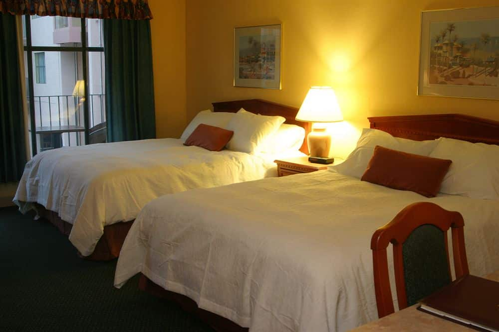 pacific -inn-suites-vernon-034